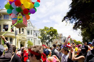 1024px-Bay_to_Breakers_2011_Up